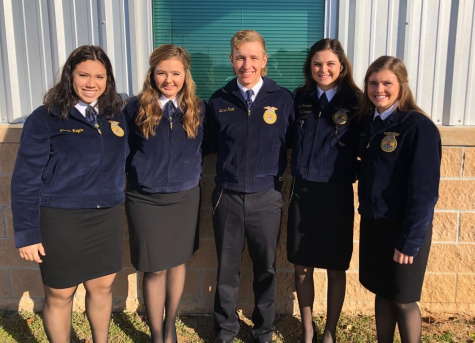 Your 10th place state Agricultural Issues team officially belongs to the Fredericksburg FFA chapter.  Congrats to Daniel Raab, Brittley Bowers, Faith Geistweidt, Karlee Reyes, and Sadie Hardison on the huge accomplishment.