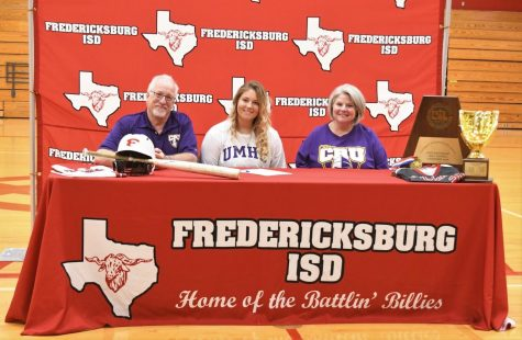 Congratulations to Ella Weinheimer, who signed today to play softball at the University of Mary Hardin-Baylor.