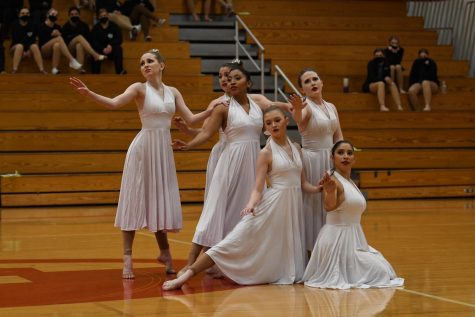 The Red Hotts competed in the regional dance competition with Danceline USA this weekend.